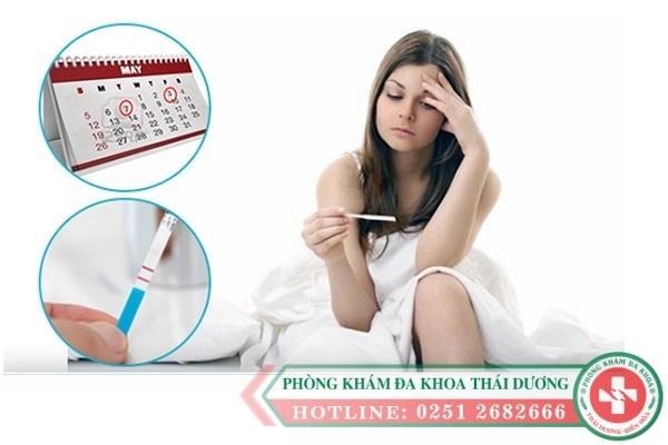 Các triệu chứng trễ kinh có thai phổ biến ở chị em